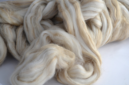 Merynos 23 mic / tussah silk / len (1)